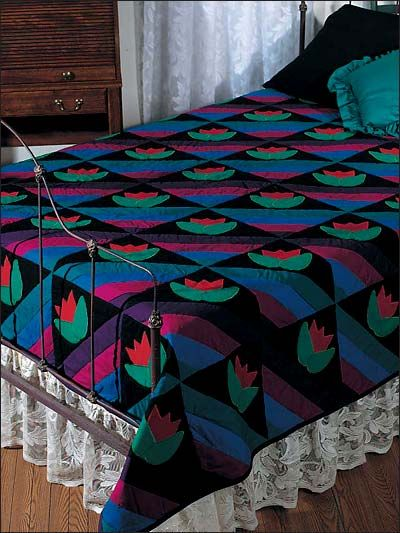 Quilting - Amish Tulips Bed Quilt