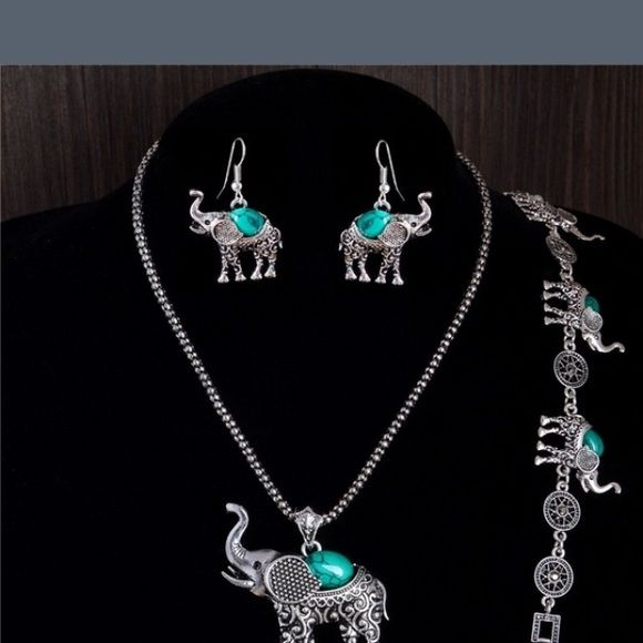 Brand new Elephant set! This is a must have set for all the elephant lovers! It is Tiebeatin silver! Jewelry