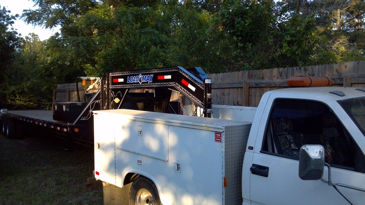 Service Truck: GMC HD-3500