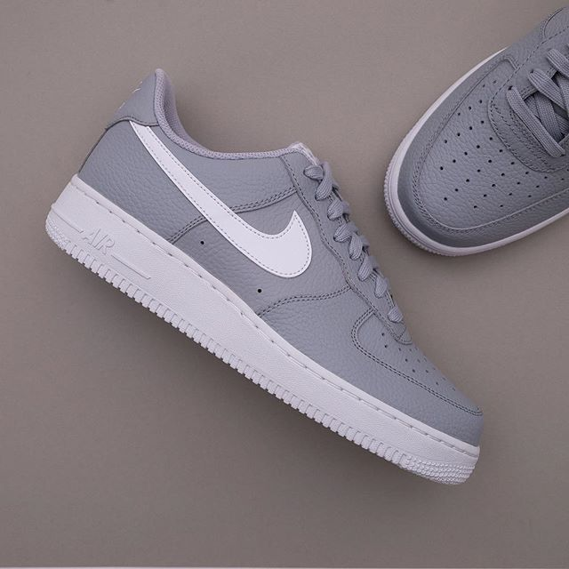 official photos 29772 37b7d Nike Air Force 1 - AA4083-013 • Ännu en bra AF1 a, finns på www.footish.se  redan ikväll!  nike  airforce1  footish