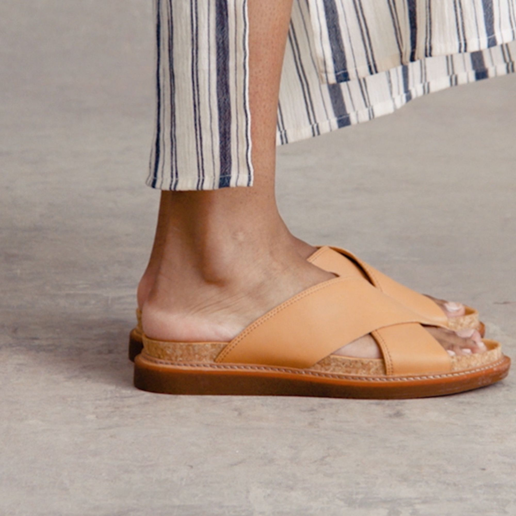 Clarks Trace Drift in Light Tan Leather
