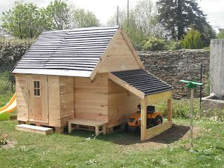 mes fabrications construction d 39 une cabane en bois pour enfant e exterieurs enfants. Black Bedroom Furniture Sets. Home Design Ideas