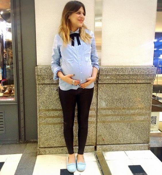 03ee7cd11 Outfits para ir a la oficina si estás embarazada - Estar embarazada ...