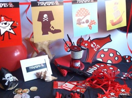 CAJA TEMÁTICA DE PIRATAS - Todo lo que necesitas para la decoración de tu fiesta infantil o cumpleaños temático: guirnaldas, globos, caretas, medallas, vasos personalizados, pajitas, manteles, … y mucho más. ¡¡Celebra tu cumpleaños infantil personalizado más original y divertido!! $40.80