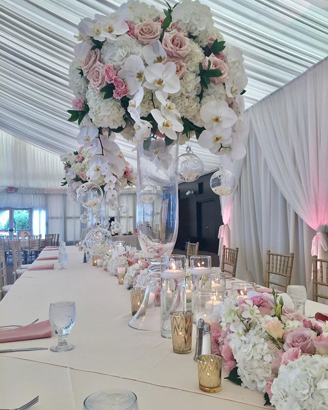 Golf Course Wedding Ideas: Gorgeous Wedding Floral Decor For Days At This Recent The