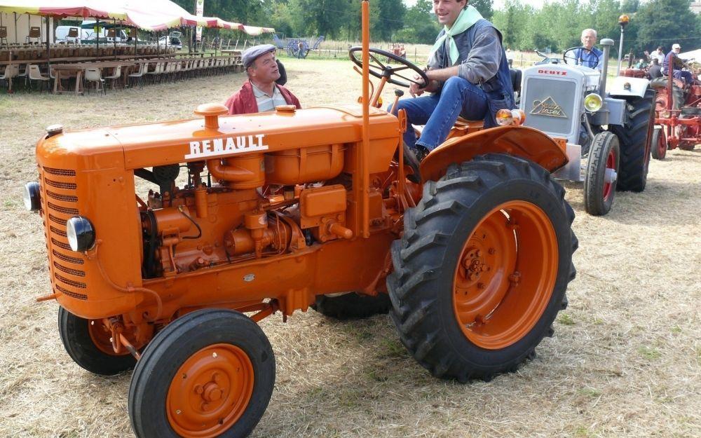 le plein d 39 animations pour les vieux tracteurs endroits visiter pinterest tracteurs. Black Bedroom Furniture Sets. Home Design Ideas