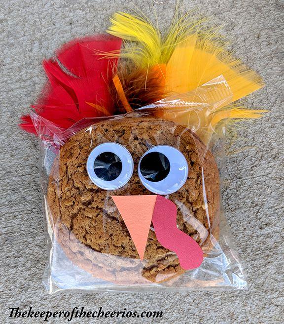 Thanksgiving Cookie Crafts: Prepackaged Thanksgiving Turkey Cookies