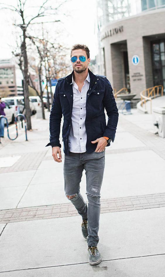 f09b2cd8e 16 ripped grey jeans, a light shirt, a navy jacket and grey sneakers ...
