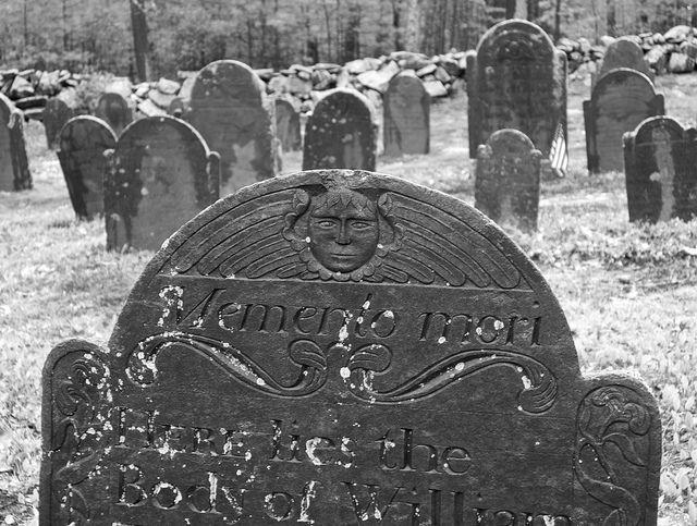 Memento mori, Colonial era headstone.