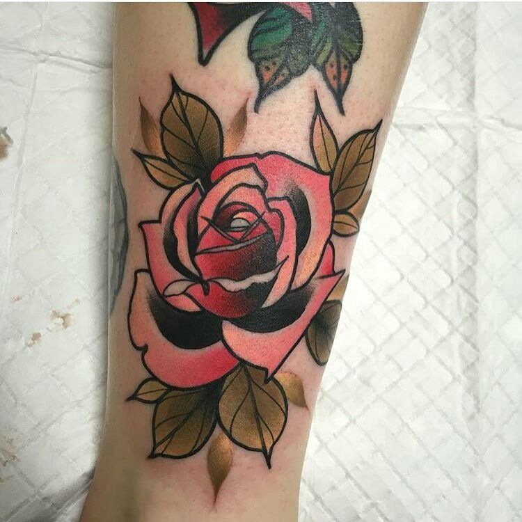 Pin by Belle Mota on Tattoo inspiration Traditional rose