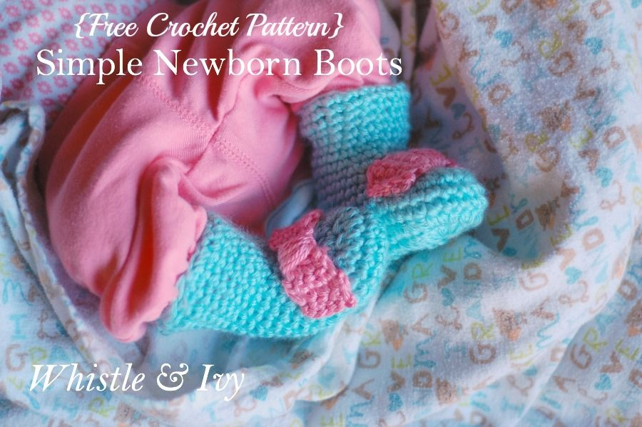 These warm simple newborn booties keep your babies feet cozy and keep socks on as well! Get the free pattern at Whistle and Ivy