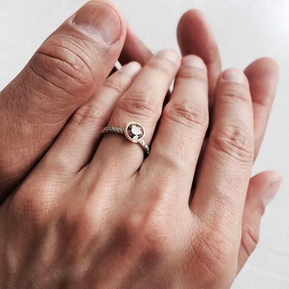 Jeff Goldblum 61 Engaged To 31 Year Old Girlfriend Emilie Livingston Celebrity Wedding Rings Celebrity Engagement Rings Engagement Rings
