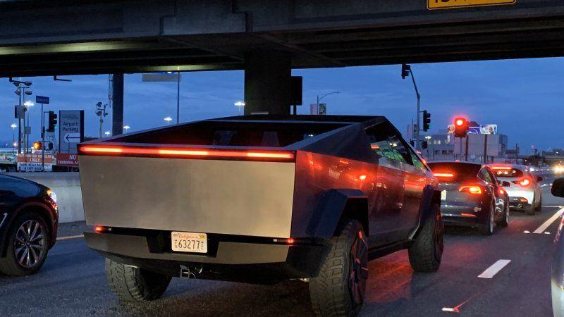 Tesla Cybertruck prototype spotted in Los Angeles Alien