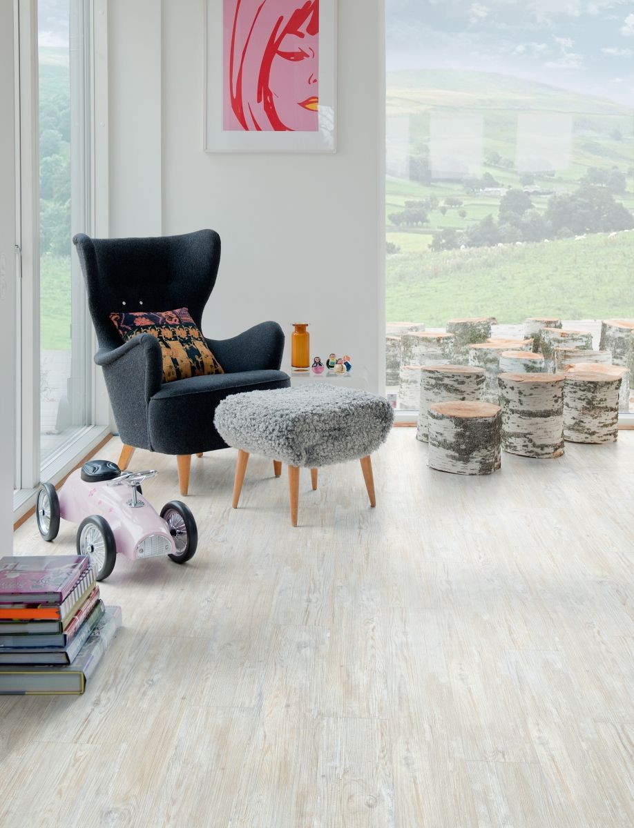 Polyflor camaro loc white limed oak creates a unique effect by our camaro loc range of interlocking luxury vinyl tiles also includes two beautiful paler wood effect designs such as this white limed oak dailygadgetfo Image collections