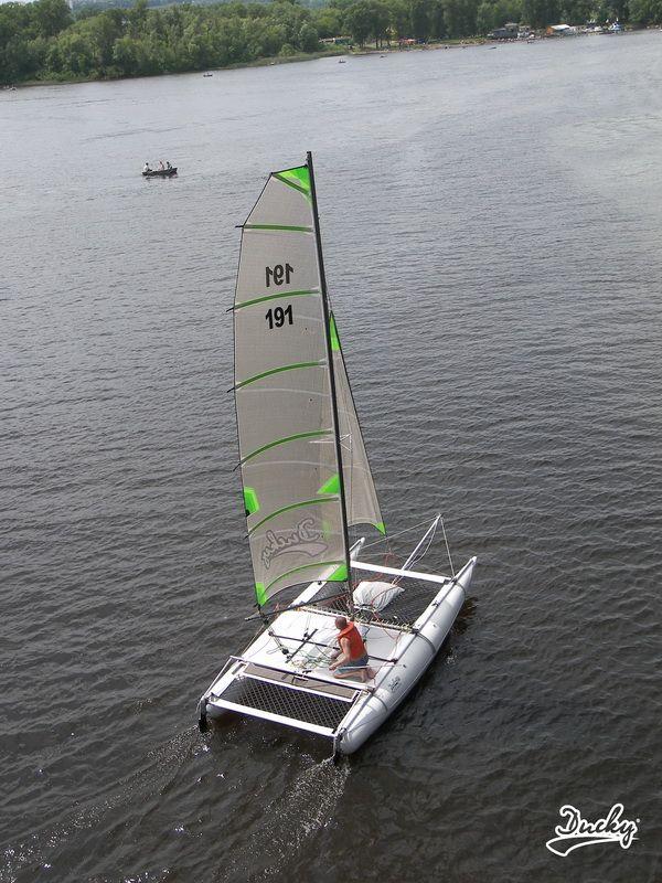 Sailing inflatable catamaran Ducky19 | Sailing catamaran ...