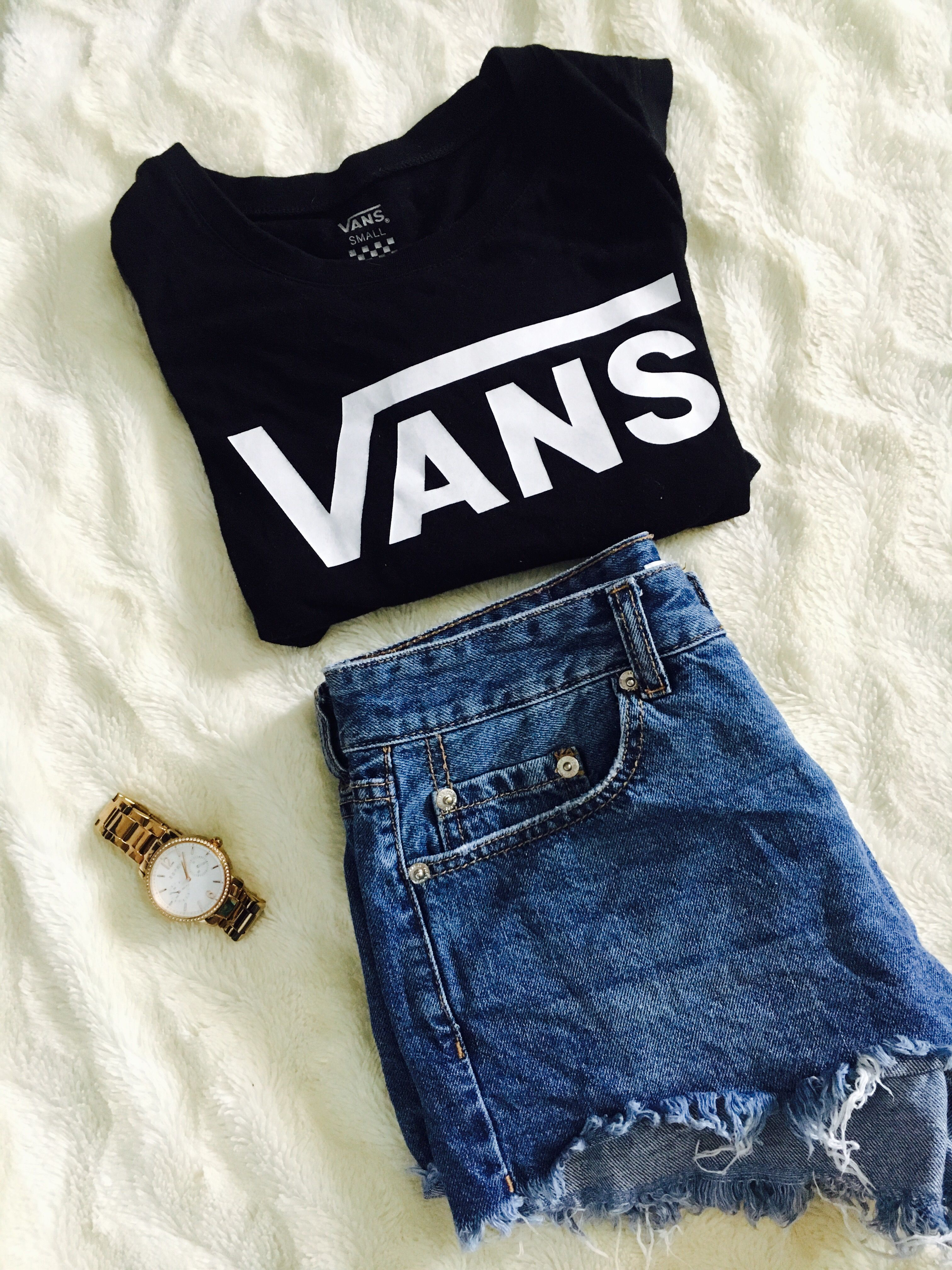 Paired with jeans or shorts, these #vans are a summer staple