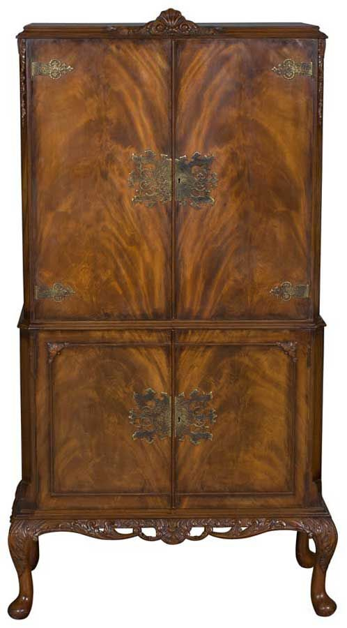 Antique Liquor Or Cocktail Cabinet / Bar. Queen Anne Style In Walnut Wood.  Unique!