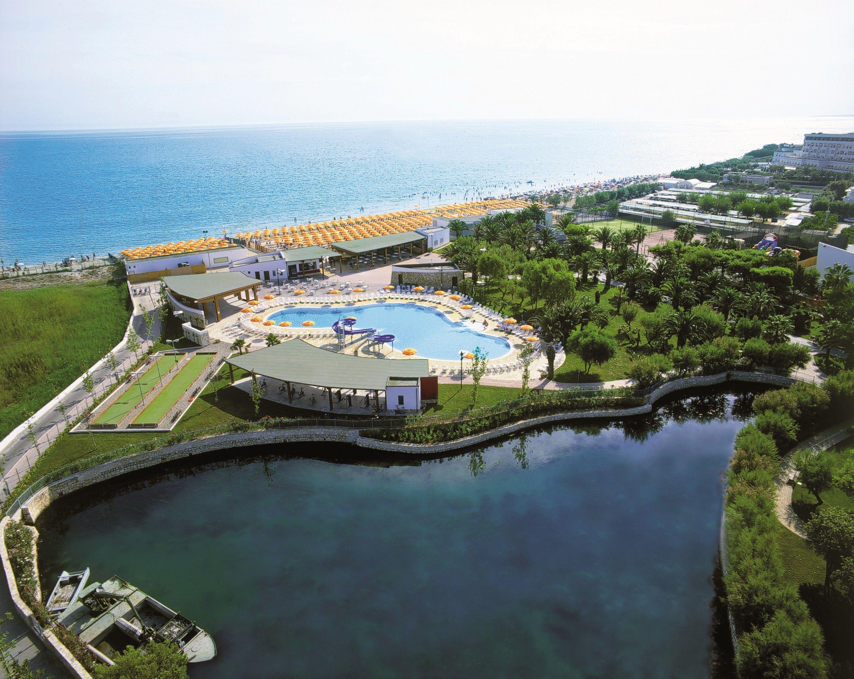 ll GranSerena Hotel è un Hotel Villaggio 4 stelle