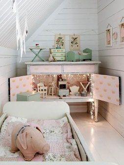 verstopt barbie huis in kastje