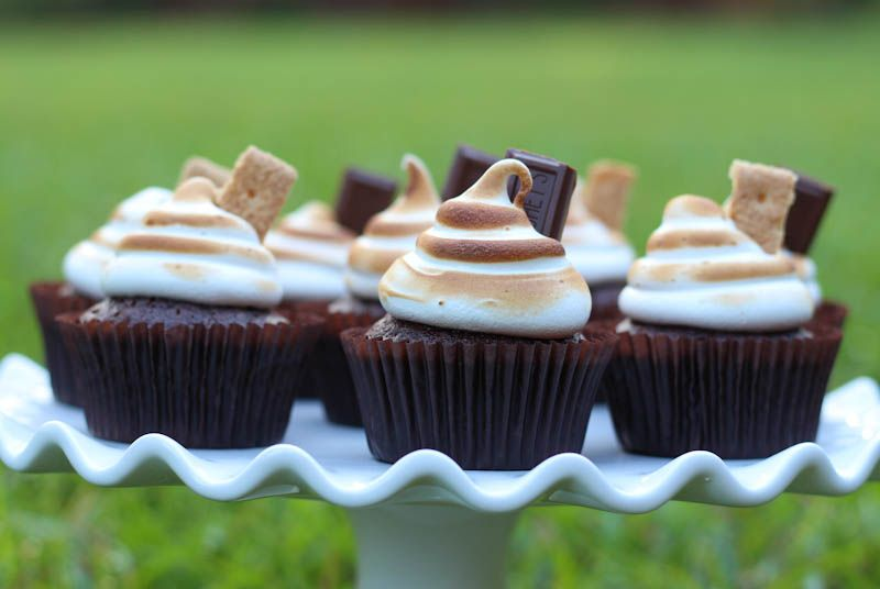 S'mores Cupcakes! These ones have a toasted marshmallow top- yum! Great treat at a Camping Birthday Party!