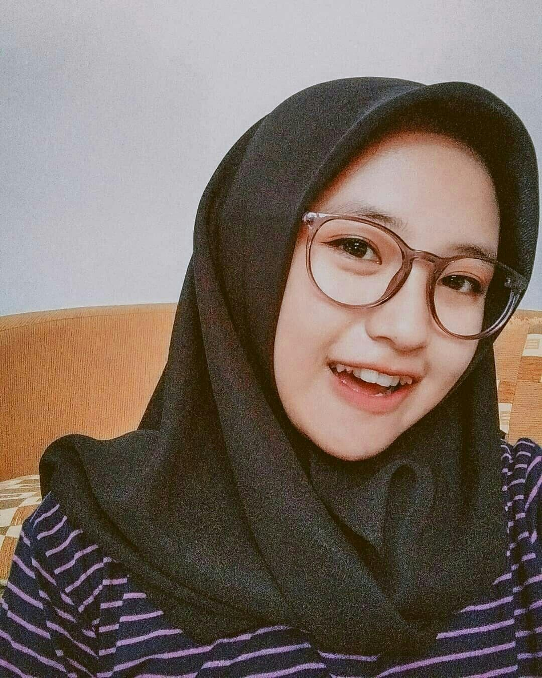 Pin by Dede mbul on HIJABGIRL in 2020 Car insurance