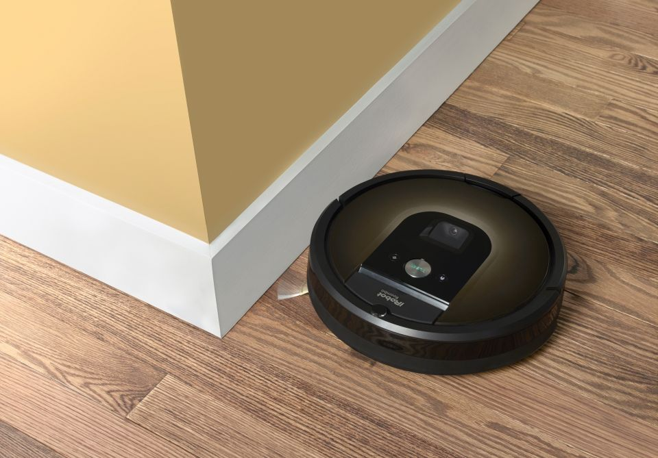Different Types Of Vacuum Cleaners For Varying Needs Irobot Roomba Vacuum Robot Vacuum