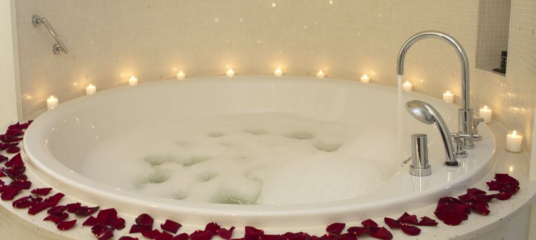 Enjoy your private jacuzzi @ our Palace Suite www.palacehotel.nl
