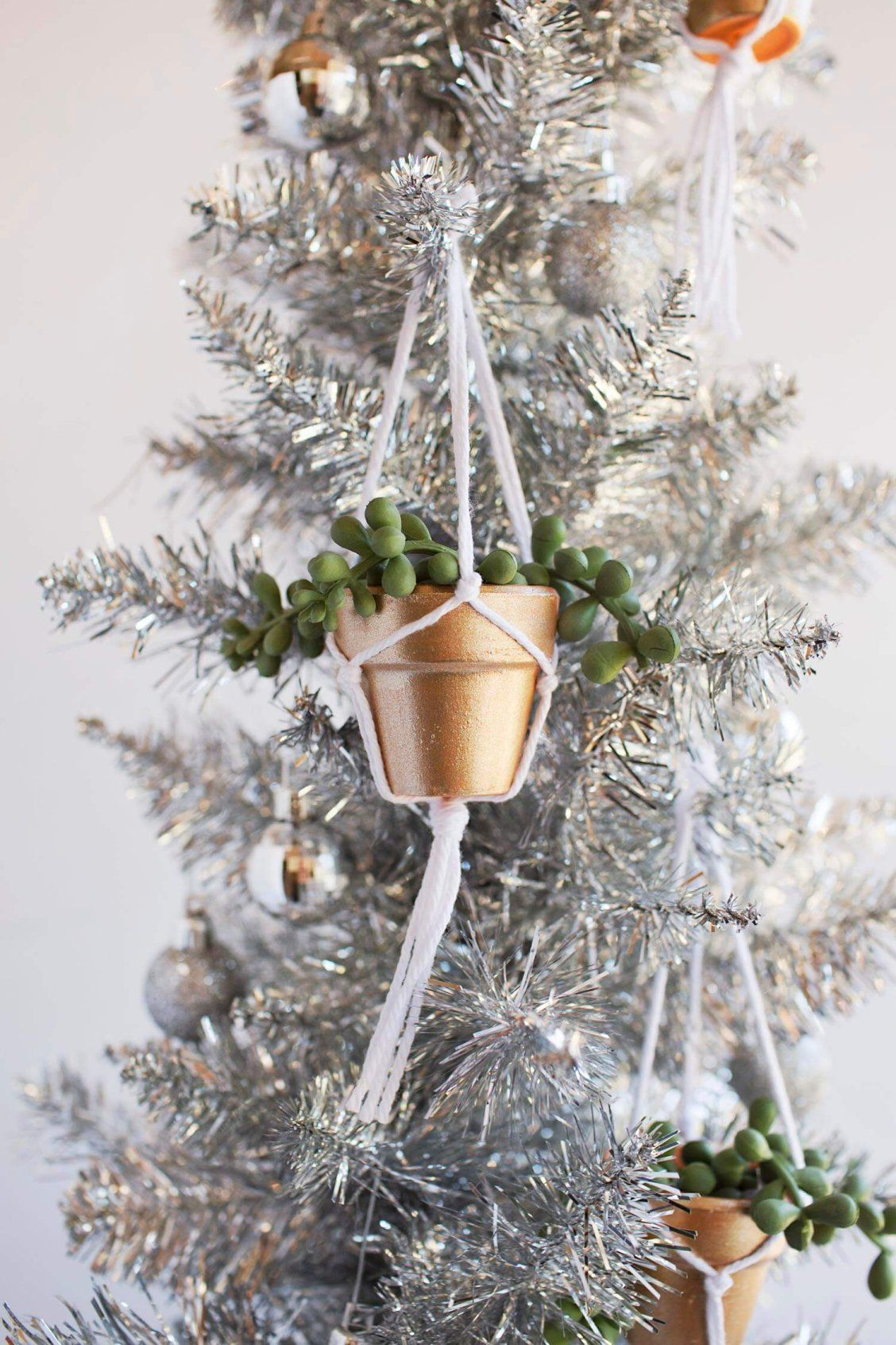 DIY Hanging Planter Ornament Diy hanging planter, Diy