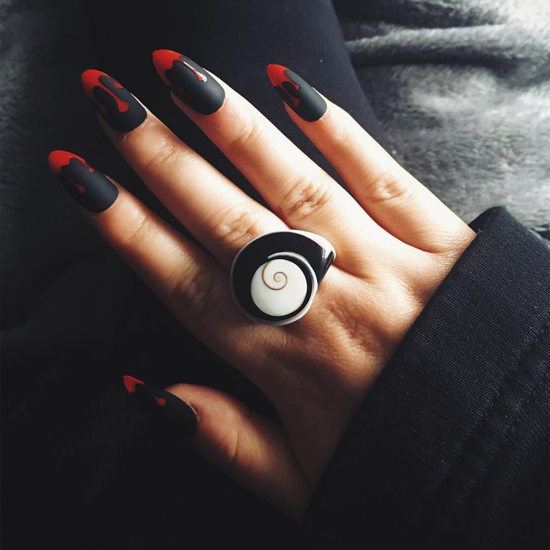 30 Amazing and Creative Halloween Nail Art Designs ...