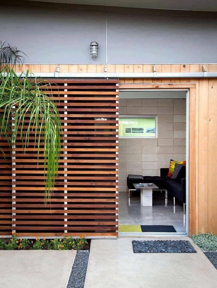 สว สด เพ อนๆ Ihome108 ว นน เราจะพ ดถ งการตกแต งเพ มม ต นอกบ าน ก บไอเด ยการใช ไม ระแนงมาตกแต งด านนอกบ าน ท สามารถออกแบบมาได หลากหล Doors Home Architecture