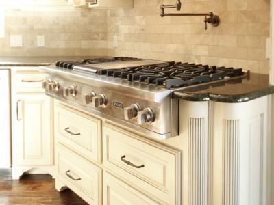 Gourmet Kitchens by Bella Vita Custom Homes www.livingbellavita.com  #gourmetkitchen #chefkitchen #luxuryhomes