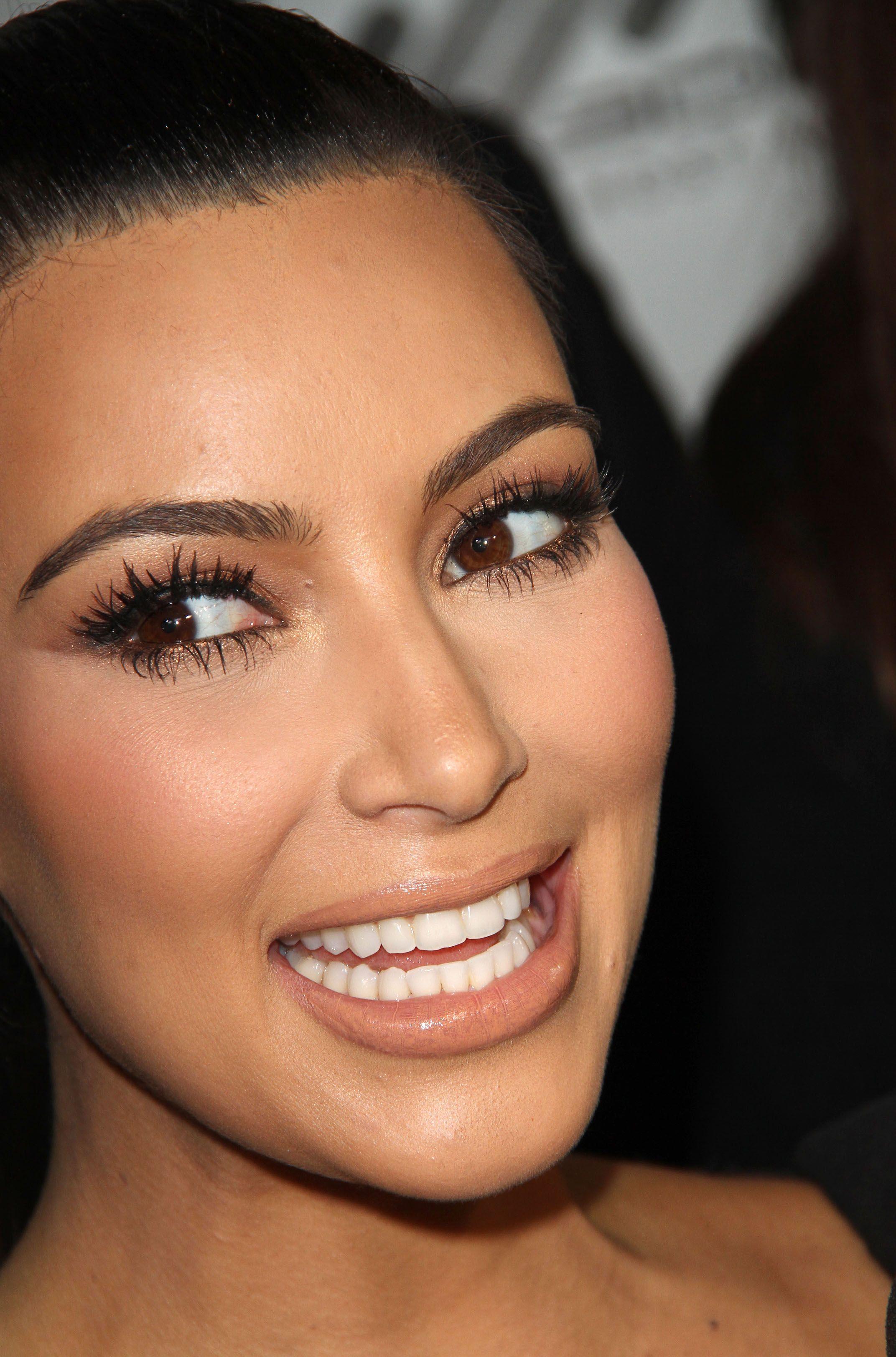 Pin by Auntie on Teeth in 2019 | Kim kardashian ...