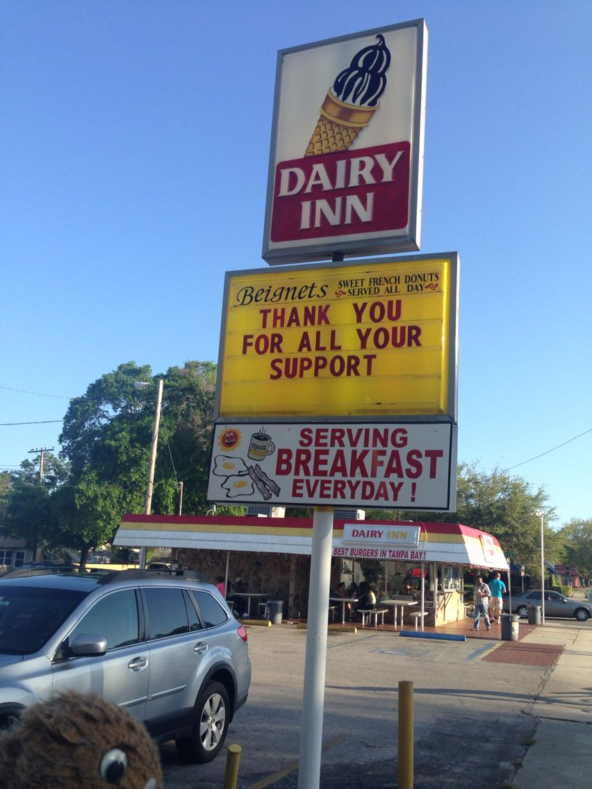 Swampy's #Florida Live: A stop for a burger at the Dairy Inn here in St Petersburg!