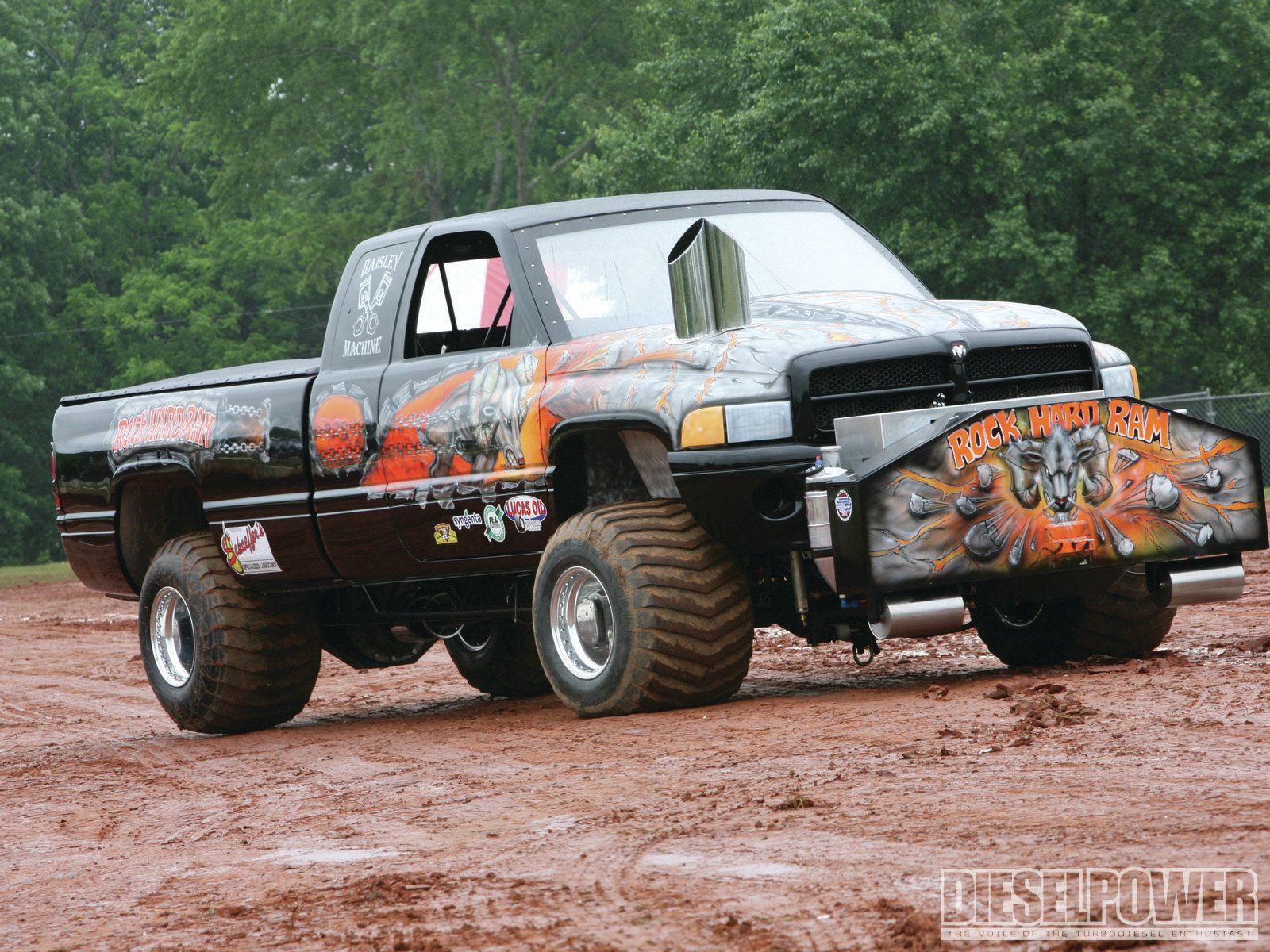 Mudding Wallpapers Wallpaperup Truck And Tractor Pull Trucks
