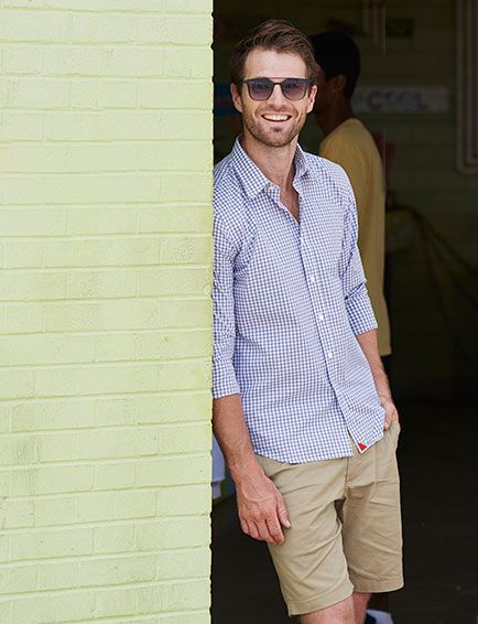 Untuckit casual button down shirts designed to be worn for Untuck it