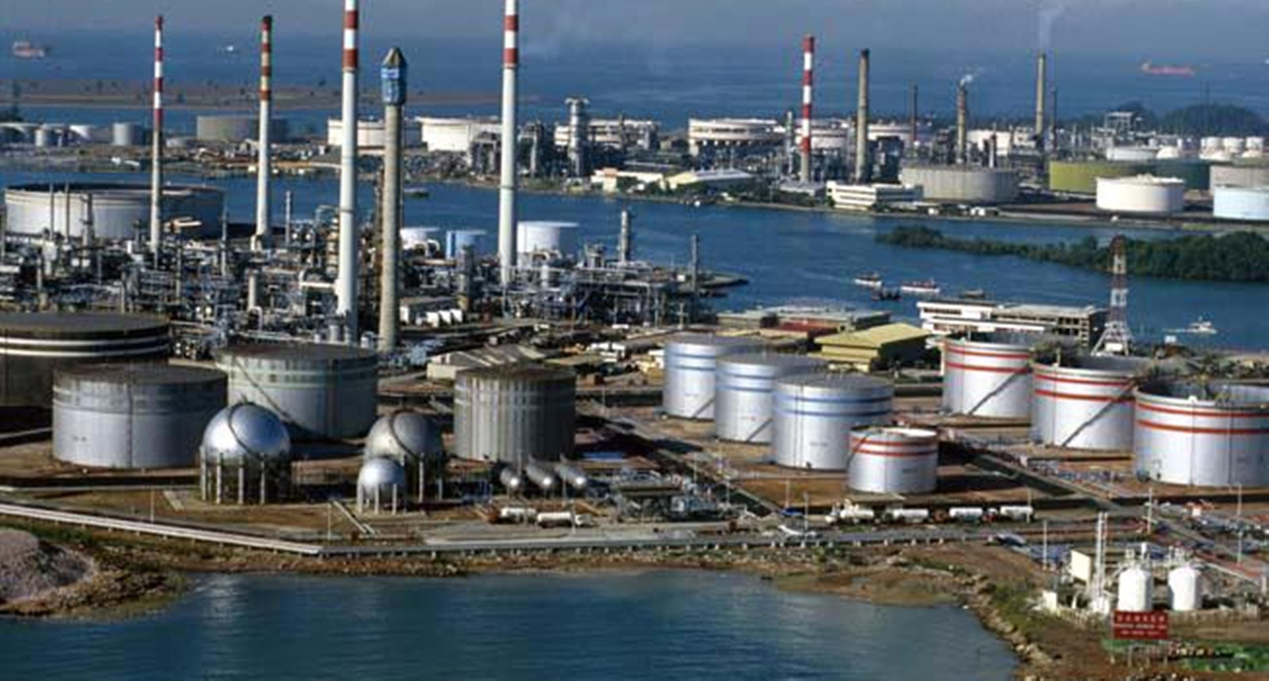 Forex Depreciation Increases Cost Of Dangote Refinery By N2tr Refinery Image Search Cost
