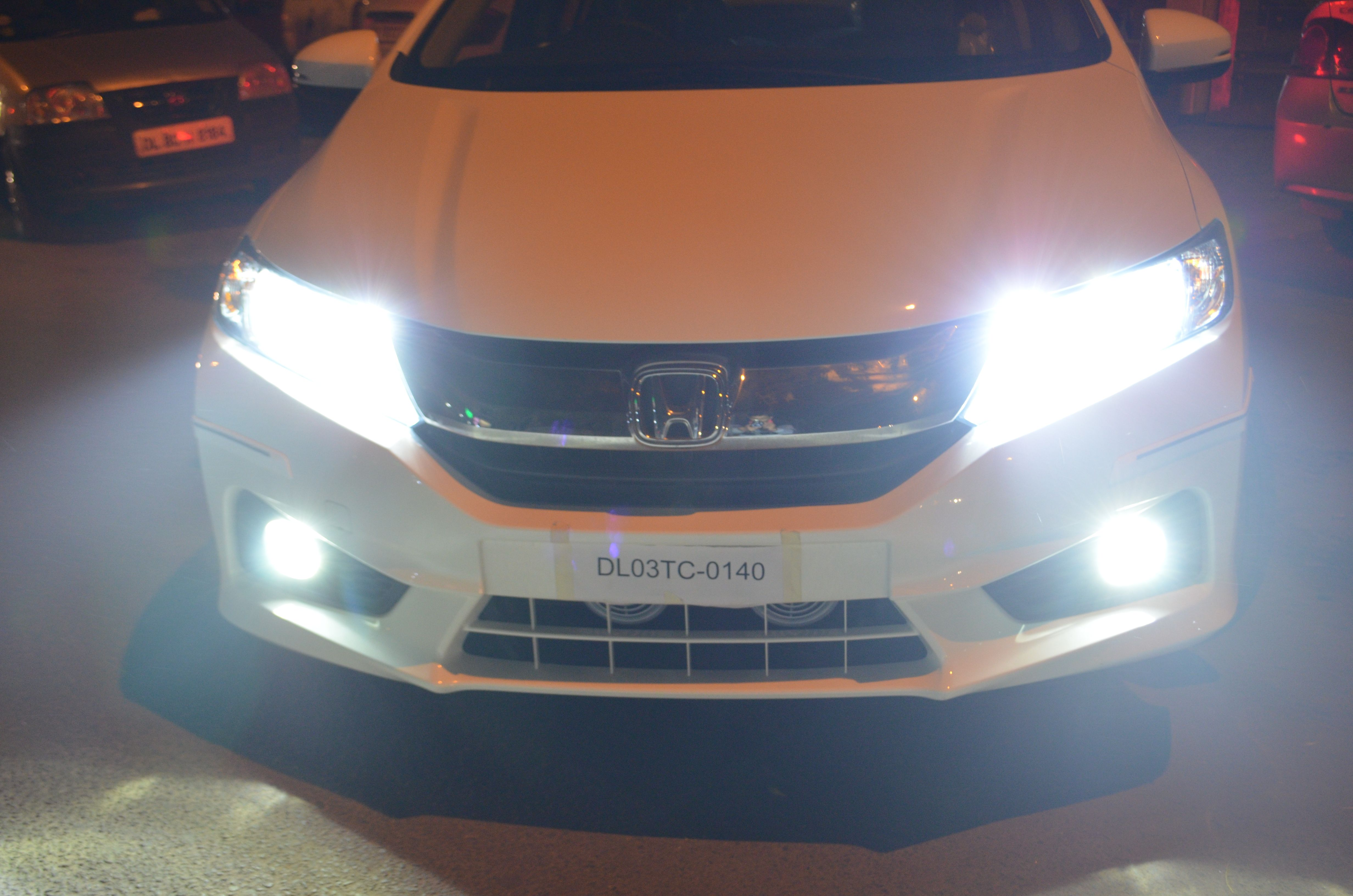 Kmh Car Cree Led Light 40 Watt 50 Watt Available Online At Best Price Only On Carplus Caraccessories Carlights Le Car Car Accessories Online Accessories