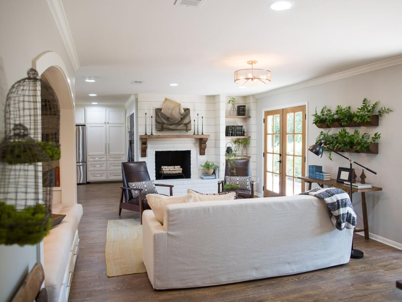 Photos | HGTV's Fixer Upper With Chip and Joanna Gaines ...