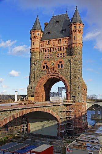 Nibelungen Bridge, Worms, Germany Loved this! People live in it - haus der k chen worms