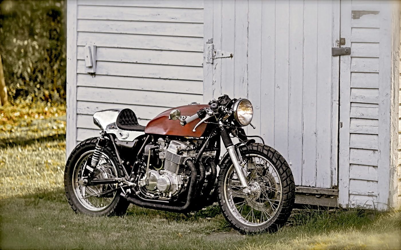 Cafe Racers Scramblers Street Trackers Vintage Bikes And Much More The Best Garage For Special Motorcycles And Cb750 Cafe Racer Cafe Racer Honda Cb750 Cafe [ 875 x 1400 Pixel ]