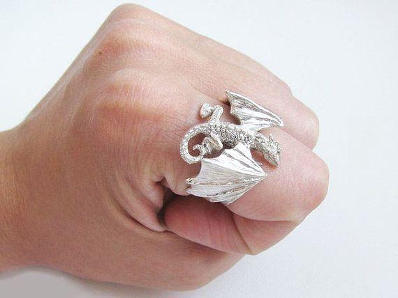 Dragon Ring.Dragon Pendant.Silver Dragon.celtic dragon. par Vigmarr