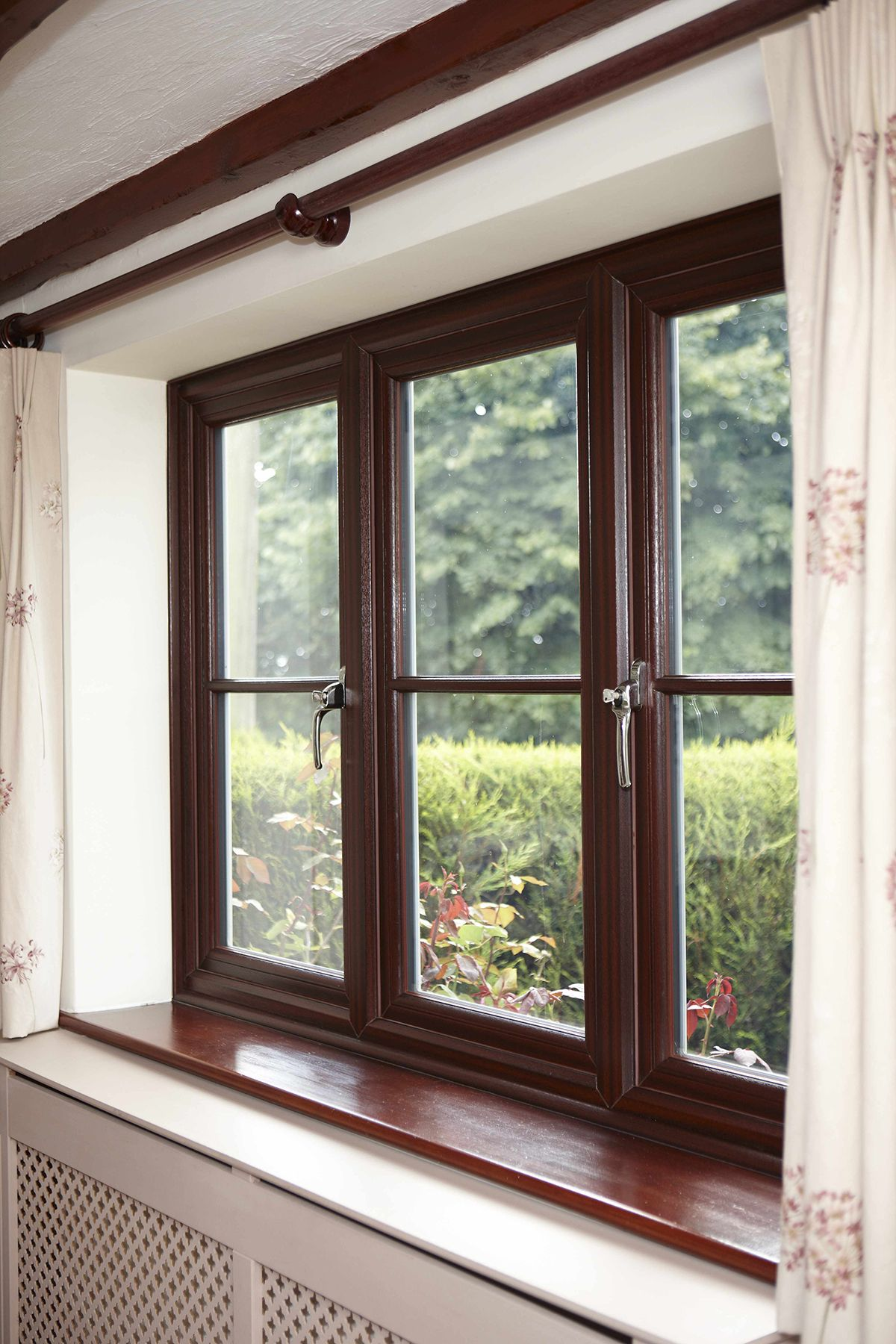 Rehau Upvc Casement Windows From Gfd Homes To Suit Any Home From The Classic Styles To The More Modern We Can Help Casement Windows Upvc Windows Rehau Windows