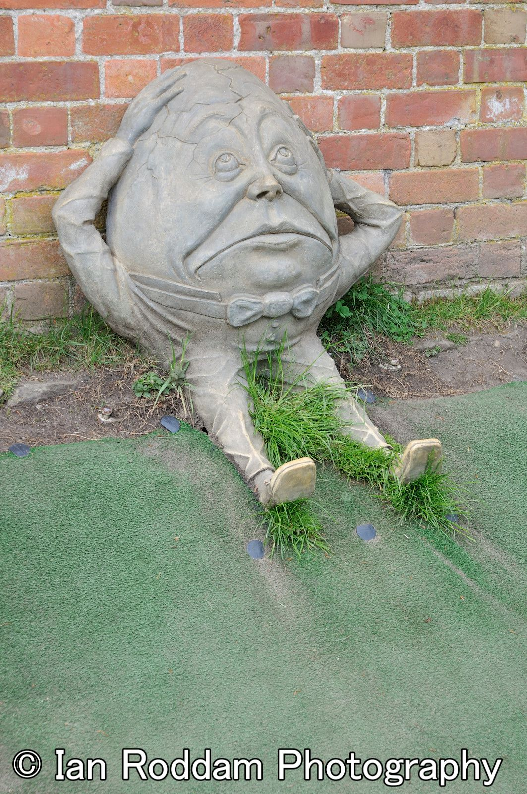 Humpty Dumpty The Alnwick Garden Northumberland Sculptures Parrot