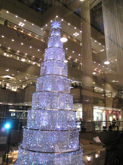 credit image swarovski crystal christmas tree - Crystal Christmas Tree
