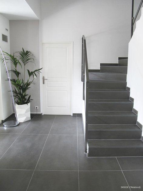 ce carrelage avec l 39 escalier en b ton cir c 39 est tip top pot de fleur tr s sympa aussi. Black Bedroom Furniture Sets. Home Design Ideas