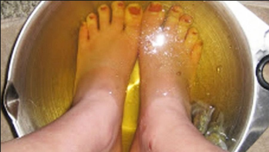 otet de mere si bicarbonat pentru picioare
