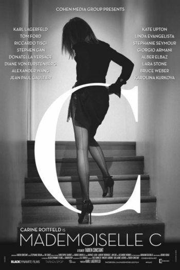 """Carine Rotfield fotografiada por Karl Lagarfeld para la portada del documental Mademoiselle C, producido con motivo de la salida de """"CR Fashion Book"""", la revista de Rotfield luego de su salida de Vogue París"""