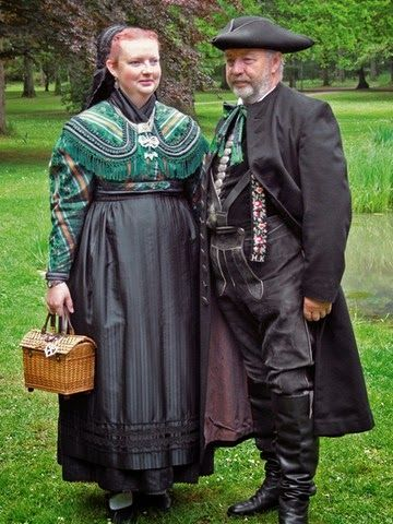 Folk Costumes of Germany. Mittelfranken This costume is from Schwabach.