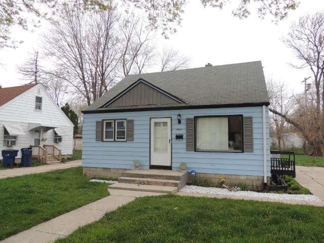 Sold 4924 N 64th Street Milwaukee Wi 39 900 Mls 1473106