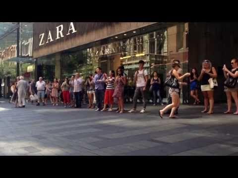 Kachooi Yahoo Videos La Bamba Pit Street Mall Sydney La Bamba Flash Mob Amazing Songs